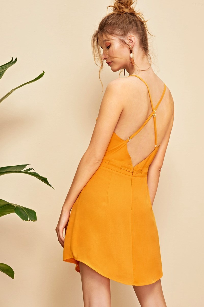 Vestido crisscross backless - mostaza