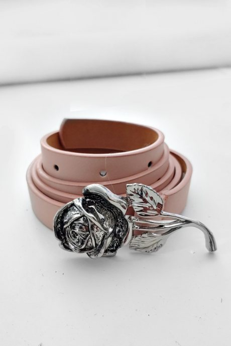 Correa rose buckle